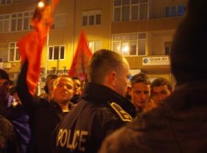 Dimanche soir, la LDK fête sa victoire face aux partisans du PDK sous contrôle policier - par Pierre Bonifassi 2010