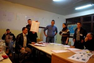Dépouillement des bulletins à Kqiq, 23 janvier 2011 - par Pierre Bonifassi
